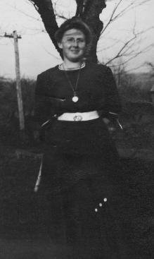 Eva Marie Pearl (1876-1901)